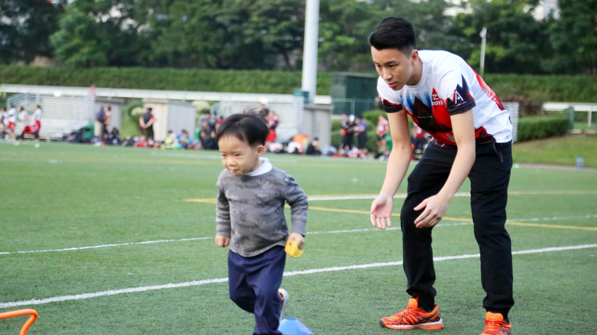 因為喺戶外地方,教練都會好睇住小朋友。