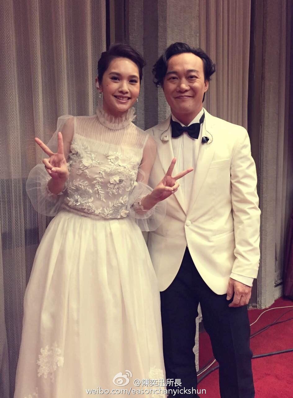 Eason上月尾與楊丞琳在台灣金馬獎合唱,影片在YouTube亦得到不少網民好評。(微博圖片)