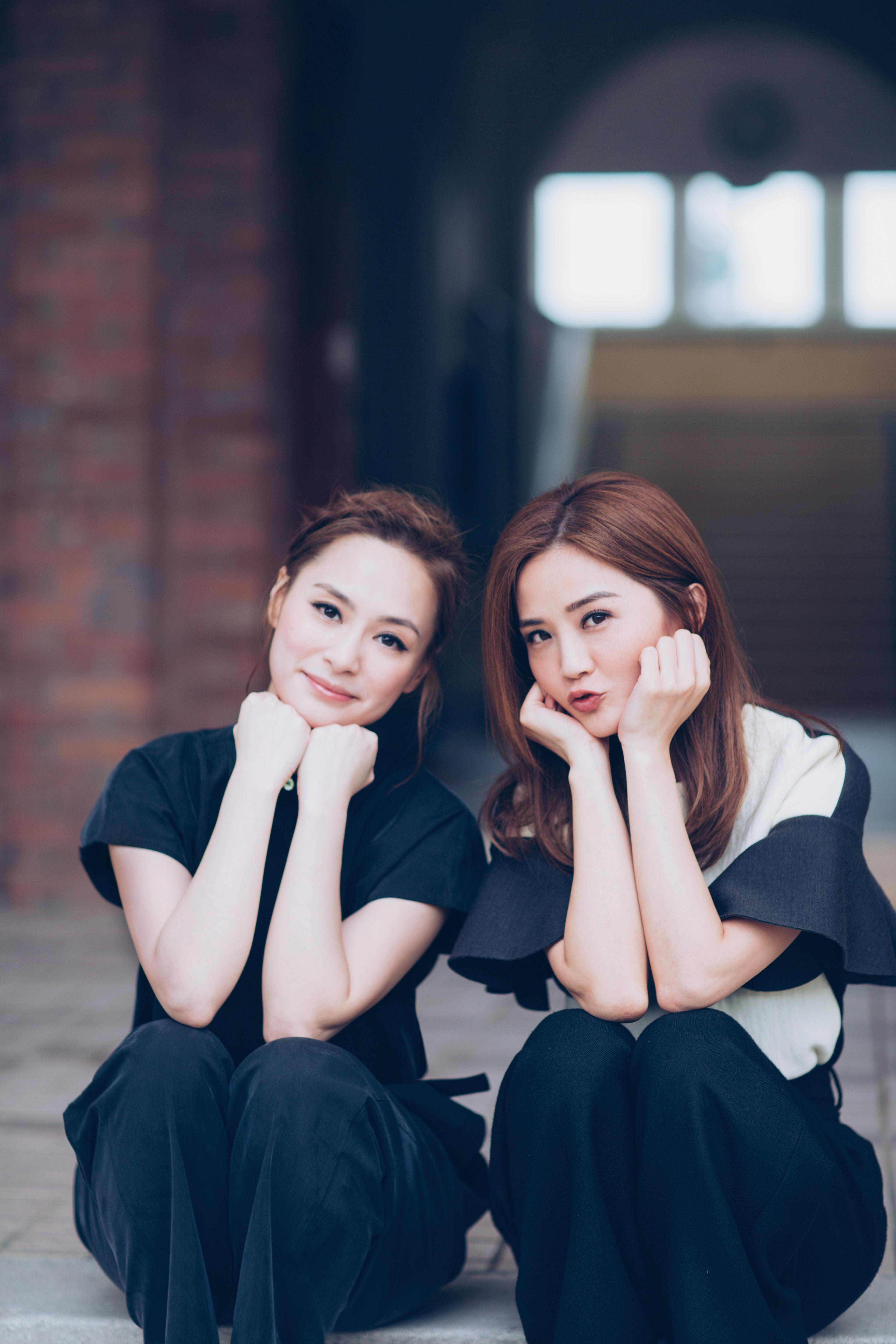 當年的Yes!Card係藝人受歡迎與否的指標,Twins都影過好多輯。