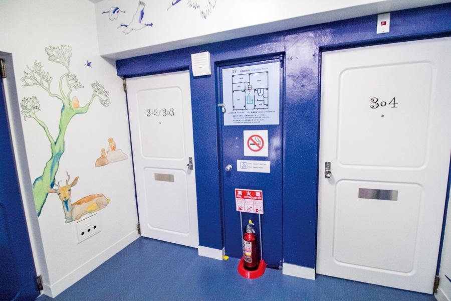 客房有門外門,保證私隱度高又安全,記得兩道門都要關好!