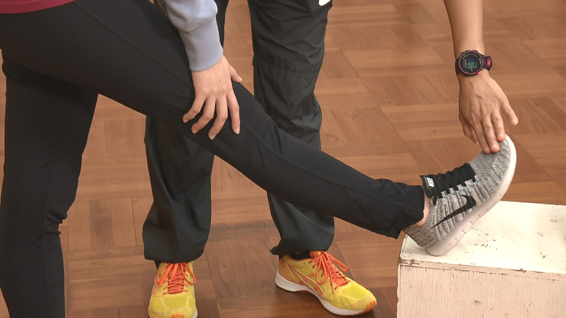 【杏林在線—健康1分鐘+】大腿拉筋動作