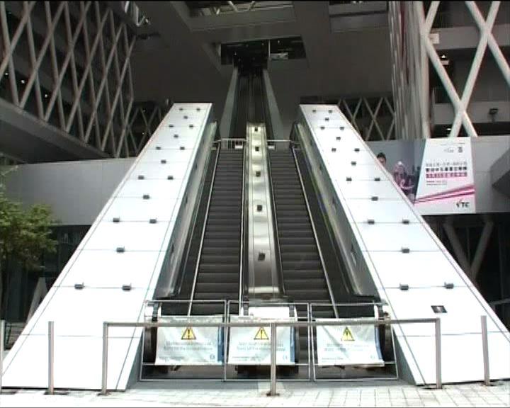 知專電梯事故因梯級零件移位