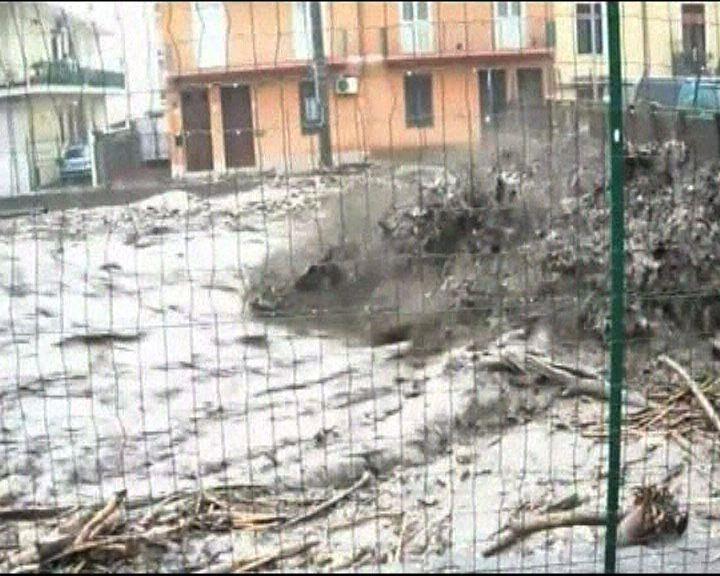 意大利南部暴雨成災