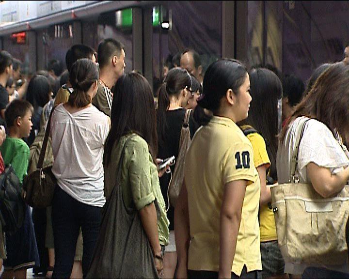 乘客不滿港鐵接二連三發生故障