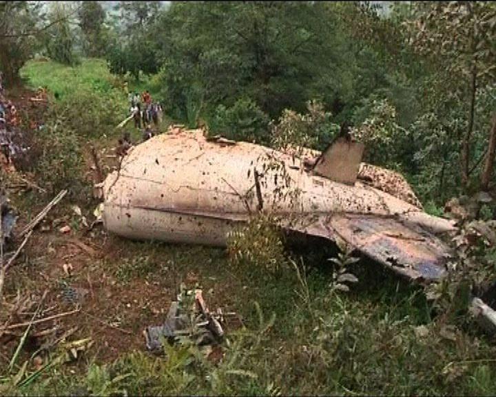 尼泊爾墜機19人遇難