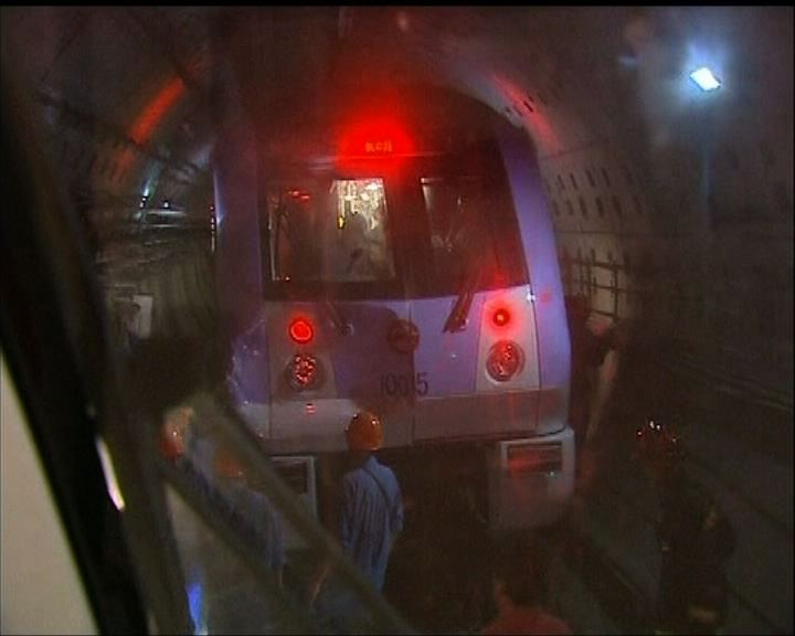 上海地鐵兩列車追撞270人傷