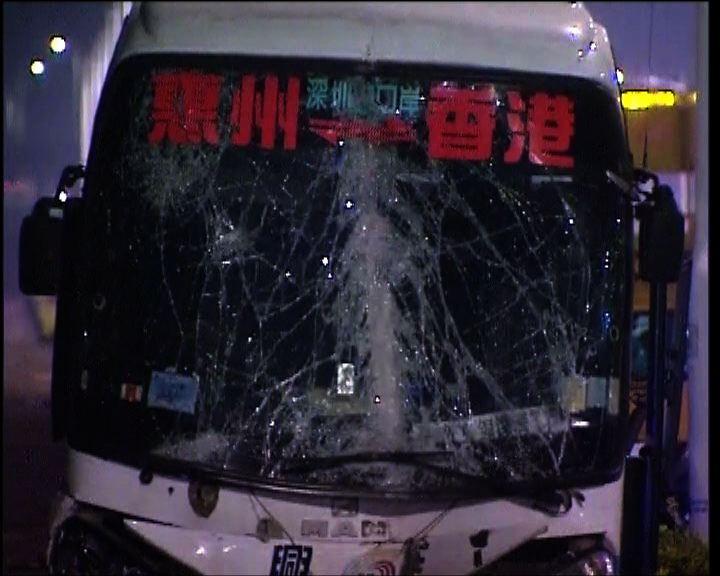 西部通道致命車禍涉旅遊巴及的士