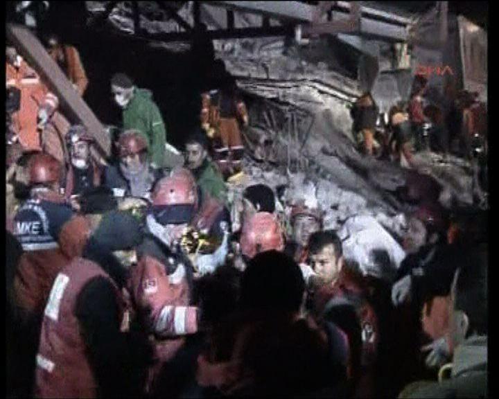 土耳其凡城再次地震至少七死