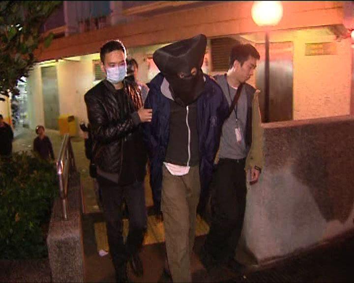 男子涉兩宗盜竊警察簽到簿被捕