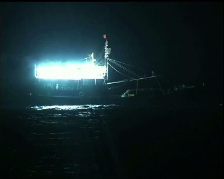 中國漁船開始在南沙永暑礁捕魚