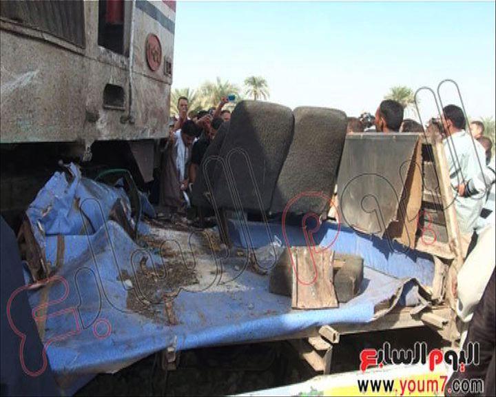 埃及總統下令徹查火車校巴相撞事件