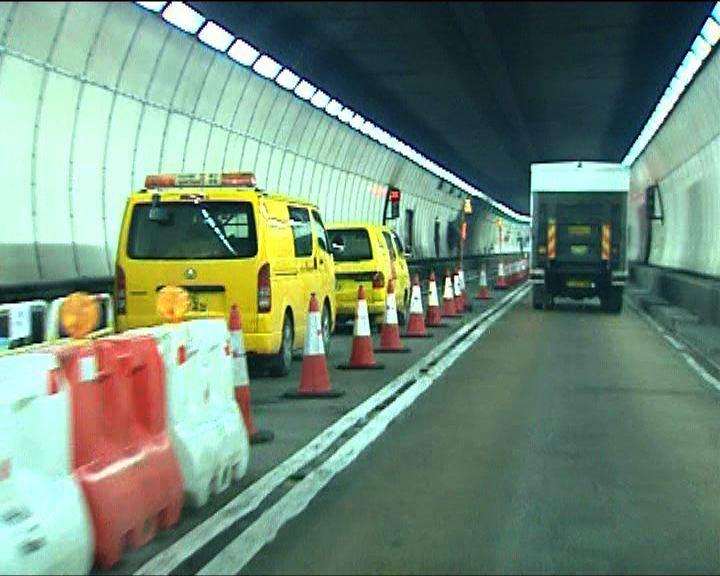 路政署爭取22日前完成獅隧修復工程