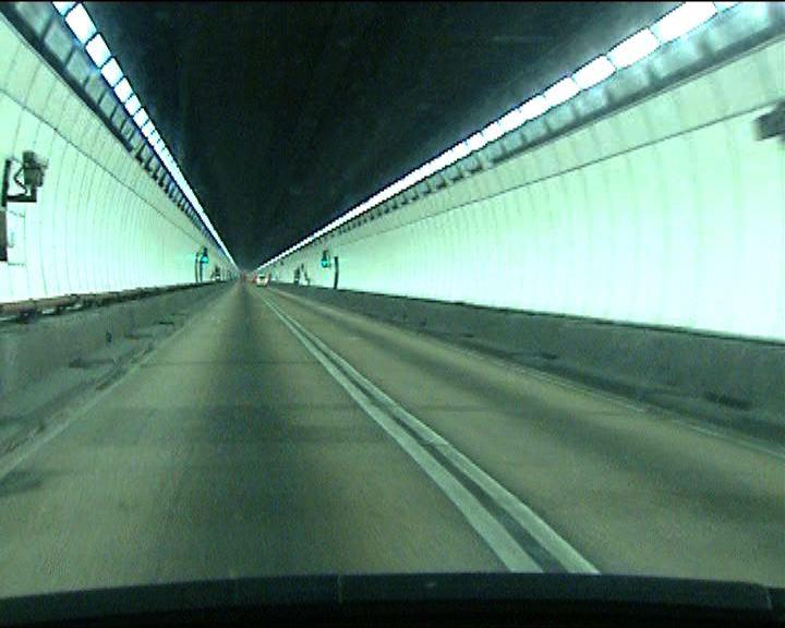 獅子山隧道全線重開