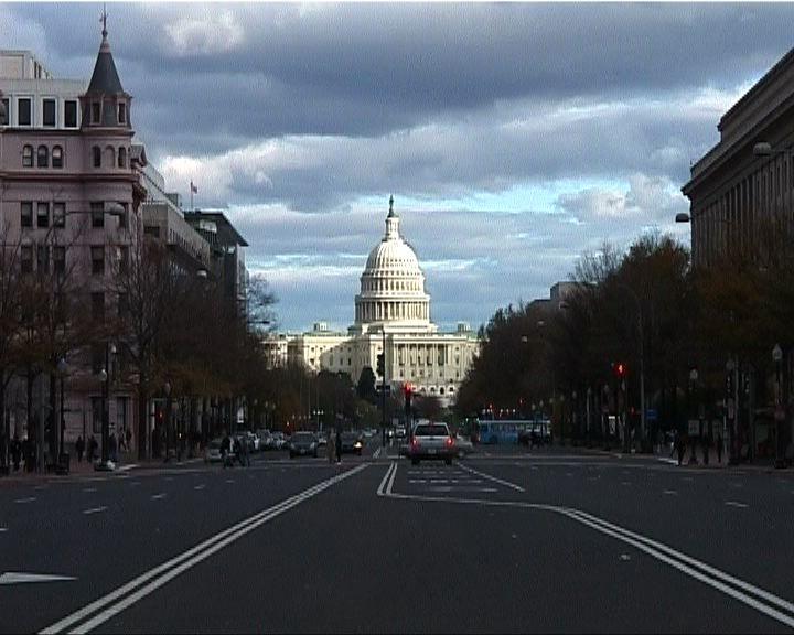 奧巴馬稱若「墮崖」會立法延長稅務優惠