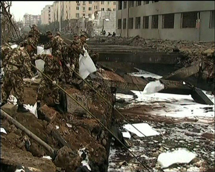 青島輸油管爆炸 當局清理油污