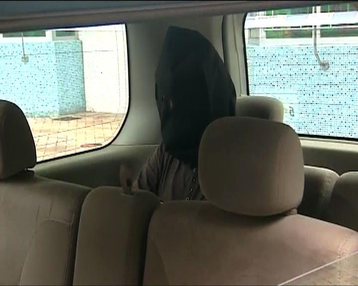的士司機疑涉盜竊乘客行李被捕