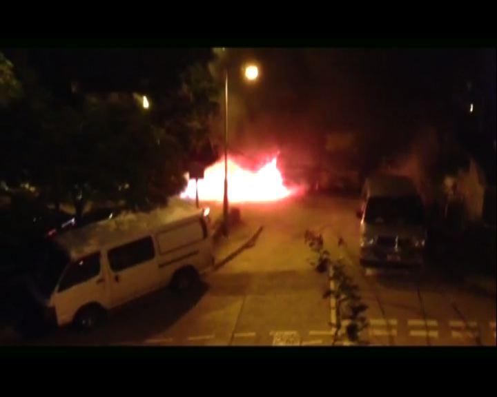 荃灣老圍村三車遭縱火焚毀