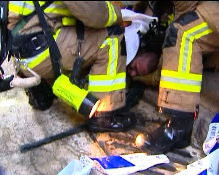 北角五洲大廈三級火逾廿人傷