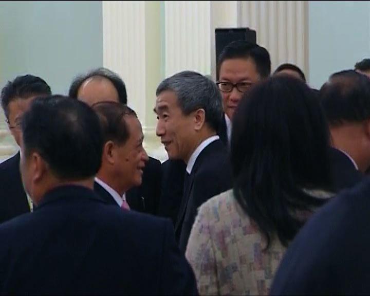 李飛重申特首候選人須獲機構提名