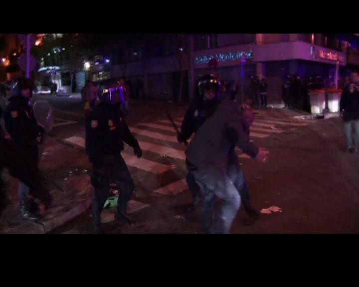 馬體會捧盃後球迷與警方衝突