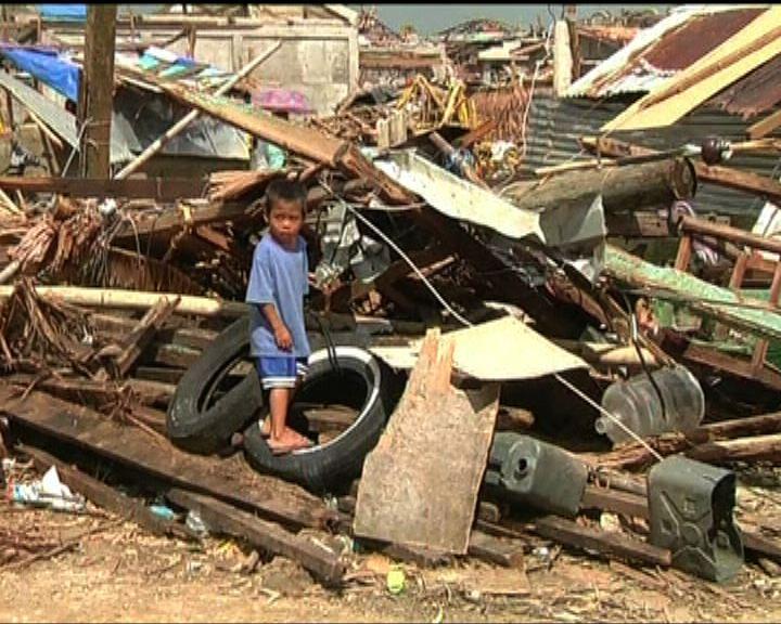 菲風災估計死亡人數過萬警官遭解職