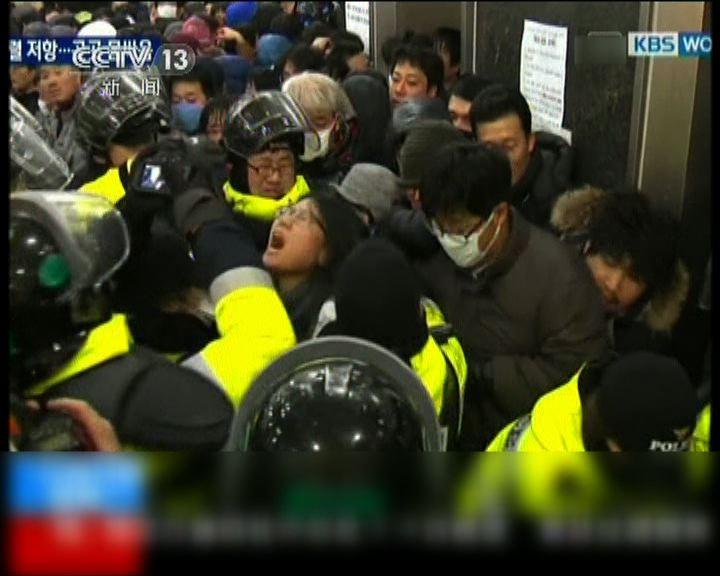南韓政府介入鐵路罷工惹爭議