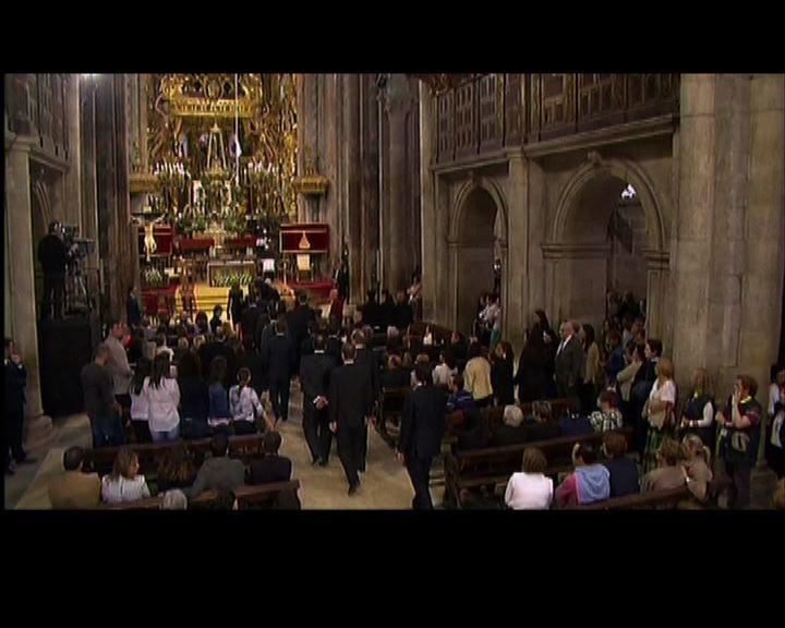 西班牙彌撒追悼火車事故遇難者