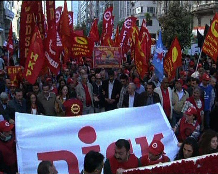 土耳其反政府示威浪潮蔓延到其他城市