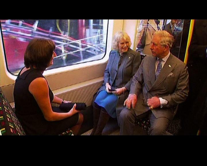 王儲夫婦乘地鐵慶祝150周年