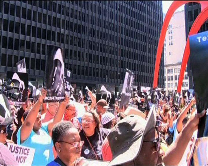 全美有多個城市爆發示威遊行