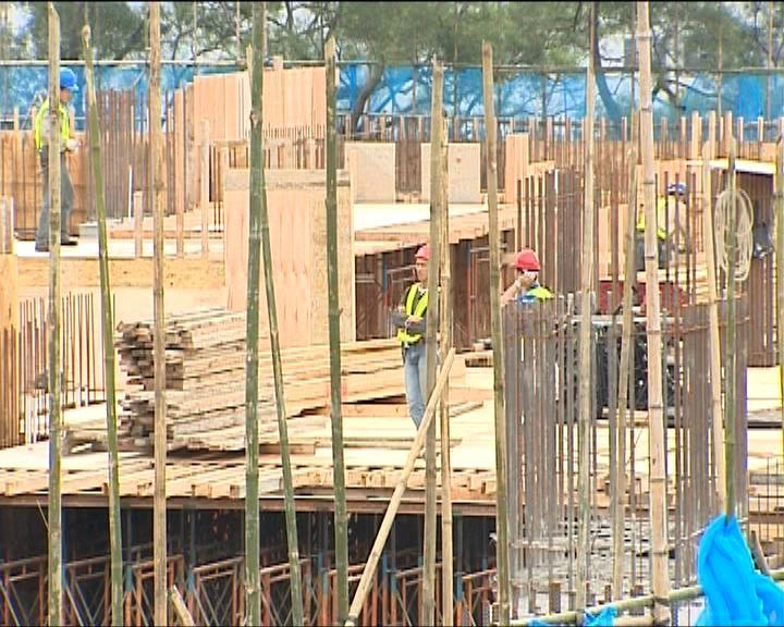 建築工人加薪情況 兩工會爭拗