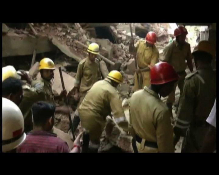 印度南部施工中樓宇倒塌多人死傷
