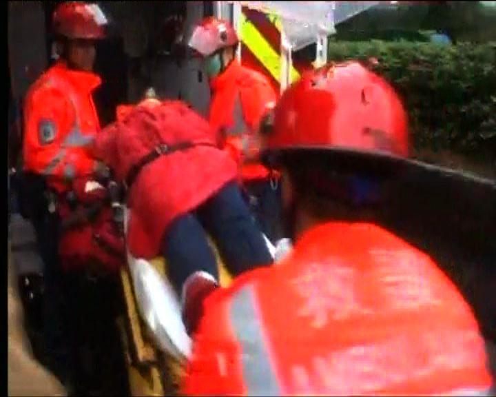消防客貨車意外3人傷