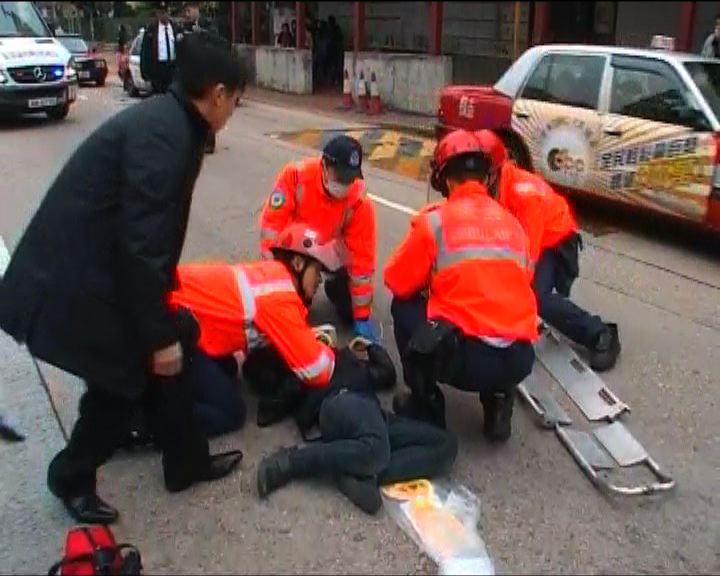 九龍城私家車撞傷12歲男童