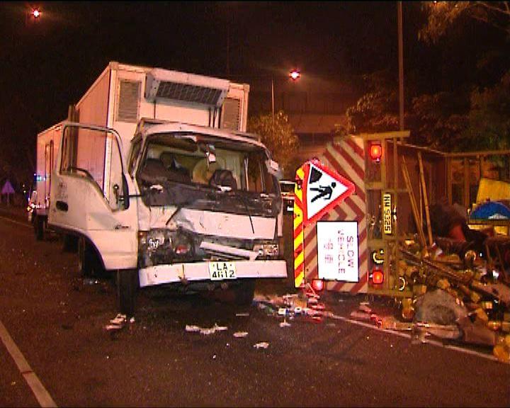沙田貨車與工程車相撞兩司機傷