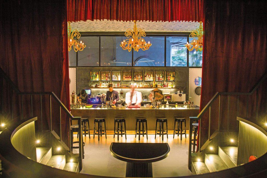 〈好食〉【上海】中國首家魔術酒吧 – BLACKSTONE MAGIC BAR