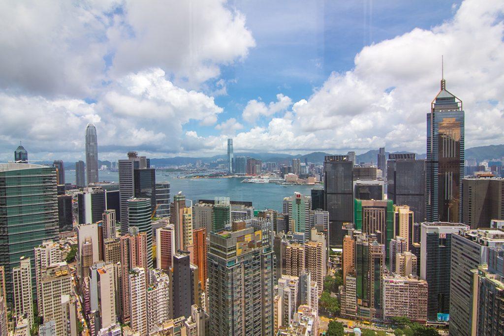 〈好食〉【灣仔】360度旋轉餐廳賞維港美景 – 自助山