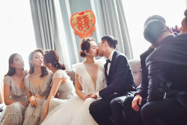 【多圖】鍾欣潼美國婚前party勁感人 老公賴弘國喊到豬頭