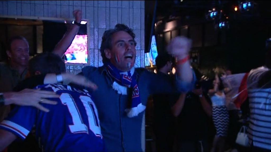 世界盃決賽 球迷酒吧觀賽氣氛熱鬧