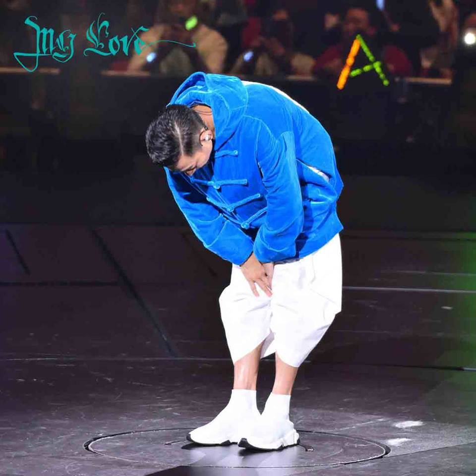 在28號晚未能完成演出,華仔忍痛取消個唱,向觀眾鞠躬致歉。