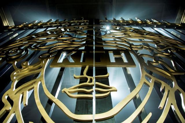 Kith x Versace 首個聯乘系列 演繹華麗本色