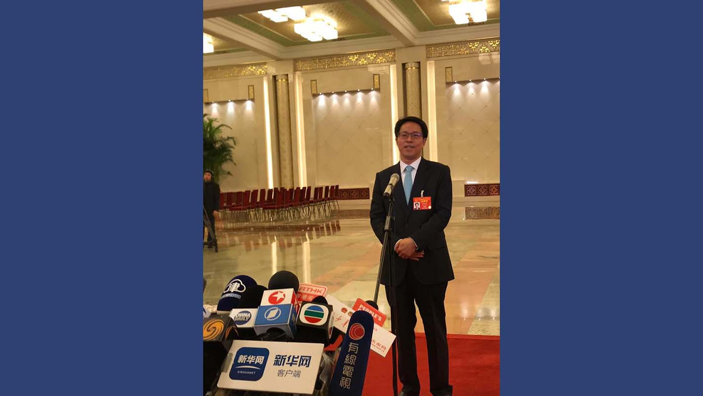 【政情網上行】兩會直擊@北京 張曉明見記者