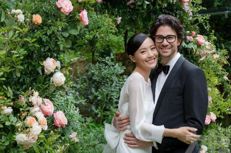 幸福法拉巴黎完婚 法籍老公親自設計粉紅鑽戒