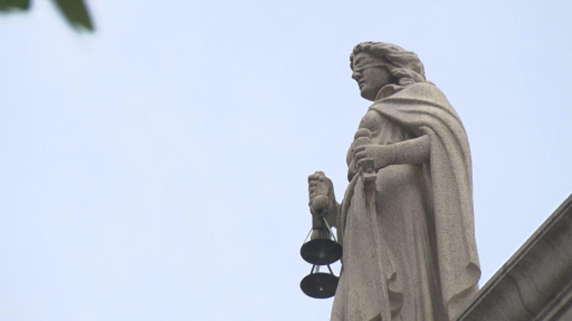 林鄭︰涉外交國防移交逃犯前需經法庭審訊