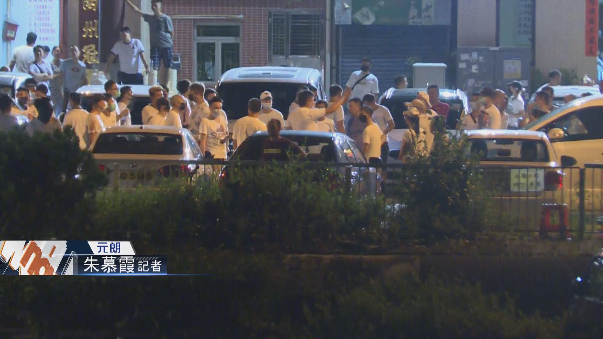 【不斷更新】元朗有白衣人追打黑衣市民 警方到場