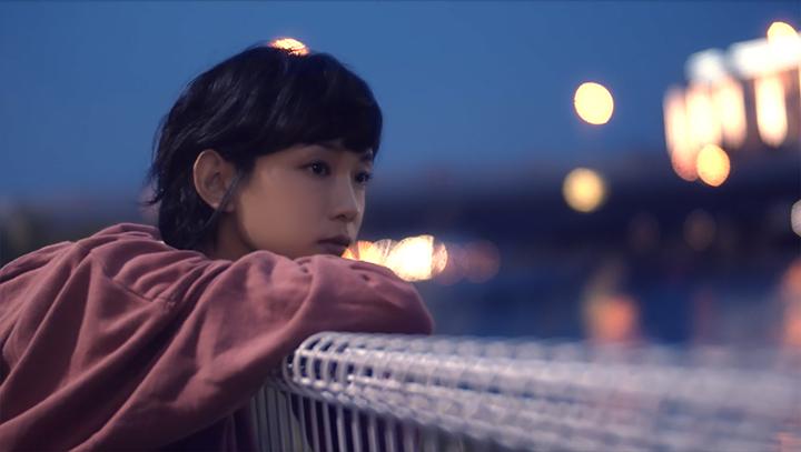 李靖筠日本拍MV 賴在水族館唔願走