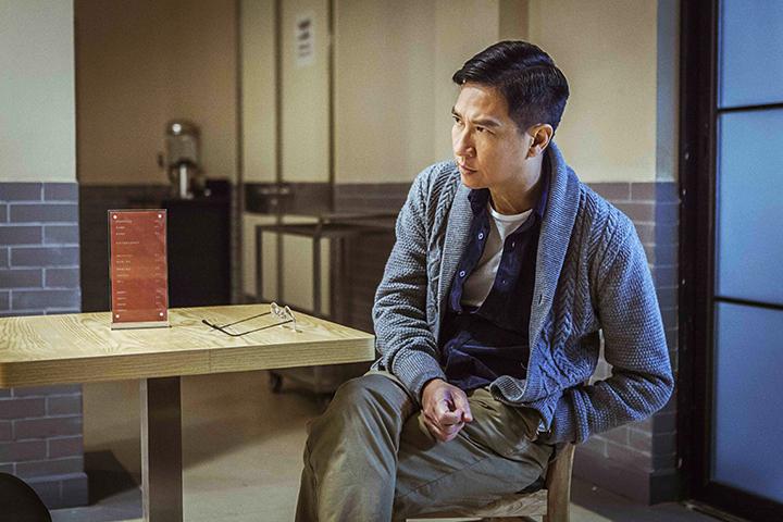 張家輝在戲中飾演一名冷靜法醫