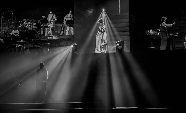 【片】謝安琪演唱會尾場  Juno驚喜現身合唱《羅生門》