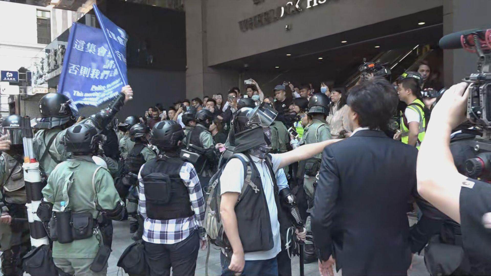 【不斷更新】網民號召三罷 全港多區有人堵路