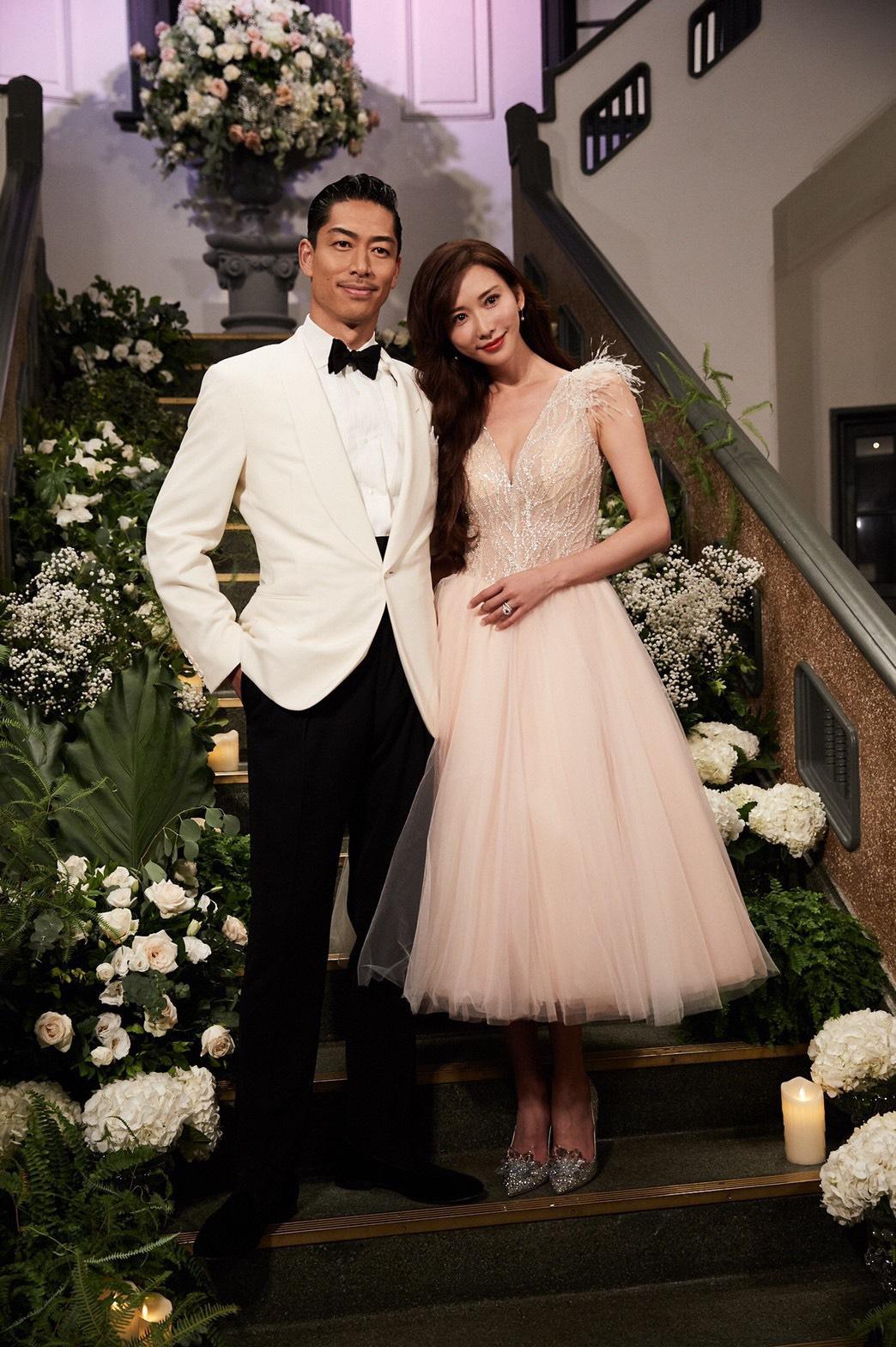 志玲身穿浪漫粉色紗裙,仙氣迫人